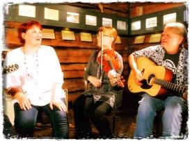 Musiikkivideon kuvaus Tervesoihdussa 2012. Kuva: Ville Ernesti Pohjonen